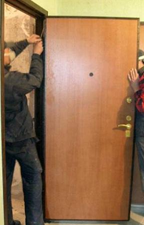 Ремонт входных дверей в Челябинске